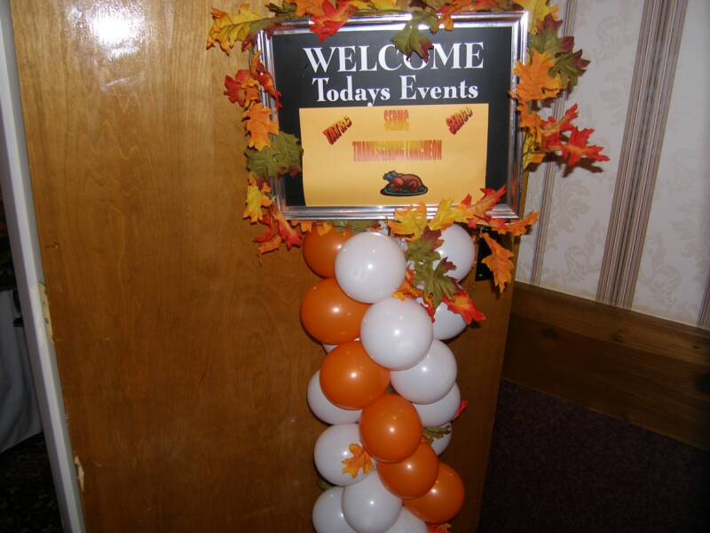 Decorating Ideas > ARCHES ~ 061918_Thanksgiving Balloon Decorations